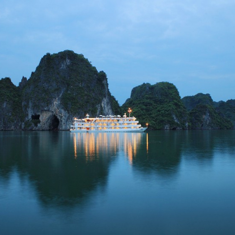 Cruising in Halong Bay with Au Co Cruise Image 3