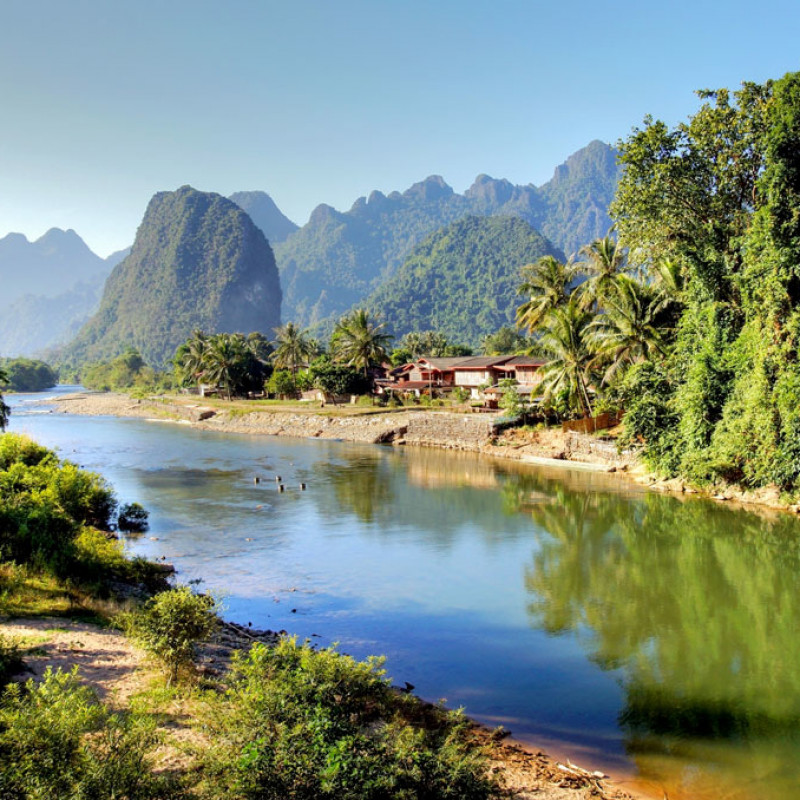 Overland tour from Laos to Thailand Image 2