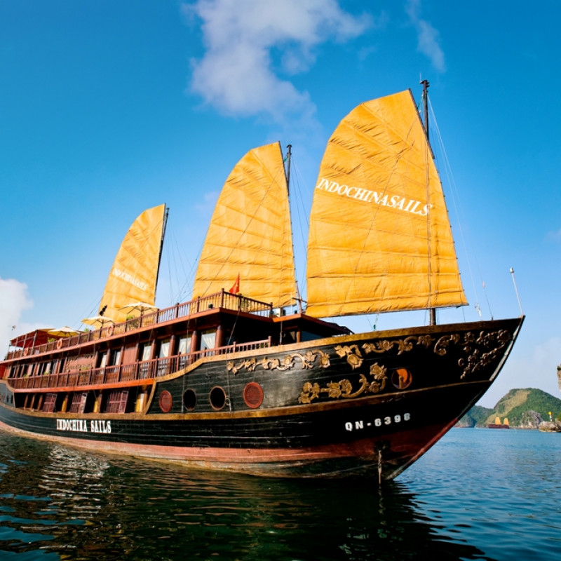 Cruising in Ha Long Bay with Indochina Sails at a glance